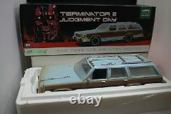1/18 Greenlight Terminator 2 Judgment Day Movie 1979 Ford Ltd Country Squire