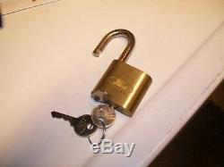 Original nos Ford motor co. Auto Brass padlock tire spare old lock vintage keys